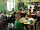 Pasowanie na czytelnika uczniów klasy 1a i 1b_2